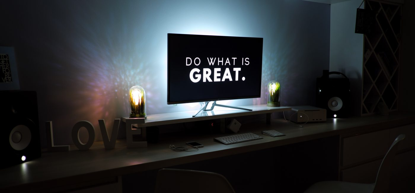 A picture of a screen saying do what is great