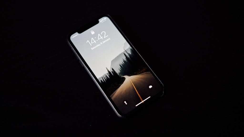 A picture of an iPhone or similar